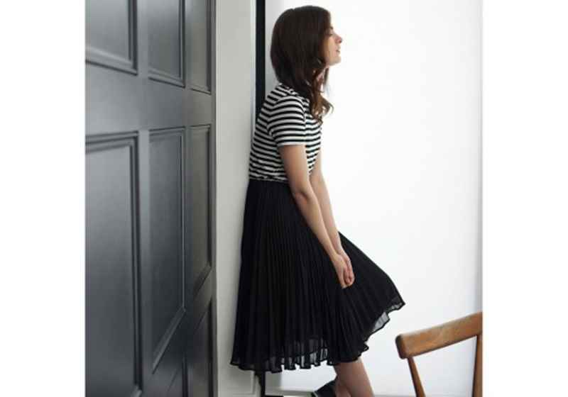 c1030365_oliver-bonas_fashion_striped-top-pleated-dress[1]